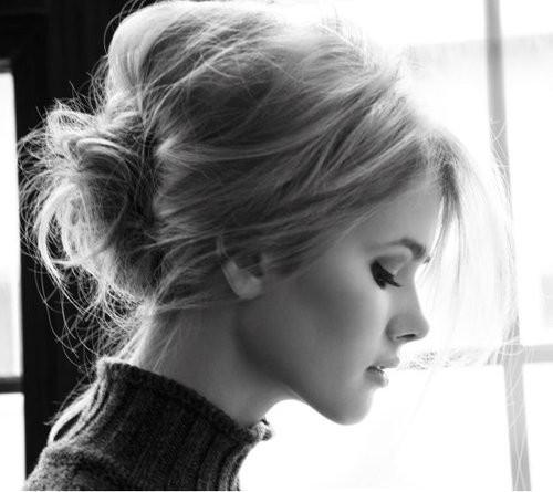 blonde-updo-eyelashes1