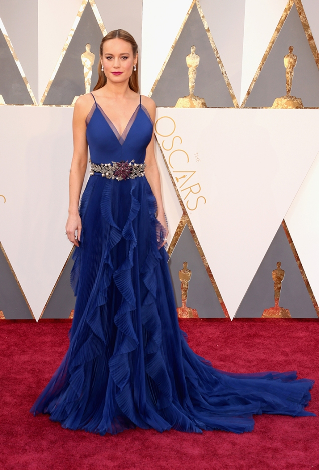 brie-larson-oscars-2016-red-carpet
